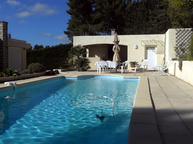Bel appartement avec Piscine et Cuisine d'été - Carnoux-en-Provence
