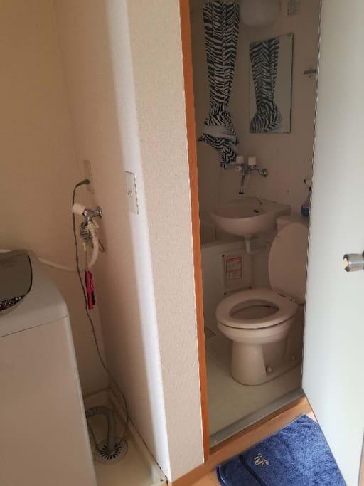 卫生间洗衣机浴室