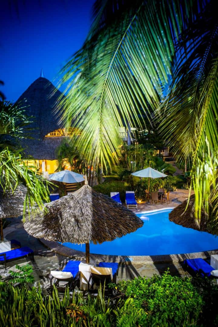 Private Diani cottages w/ pool & chef