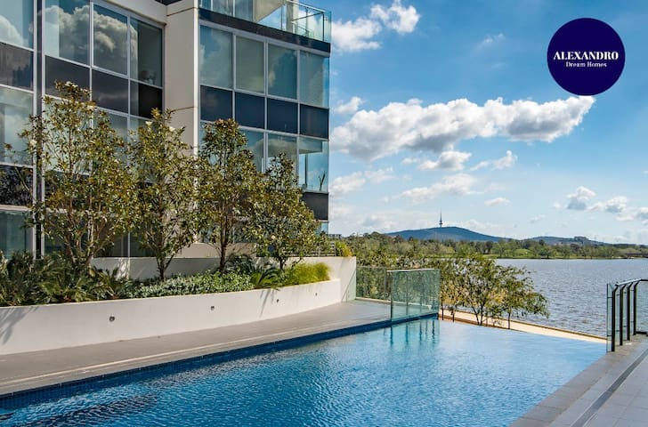 BEAUTIFUL MODERN LAKE VIEW APARTMENT // LUXE HOME
