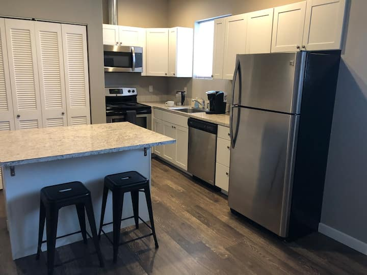 Simple, clean in the heart of Missoula! unit 2