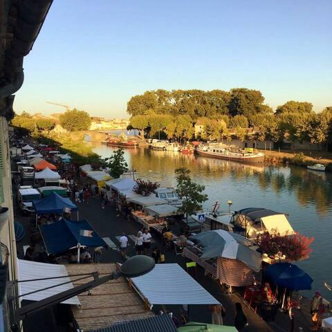 Belle vue au pied du Canal du Midi