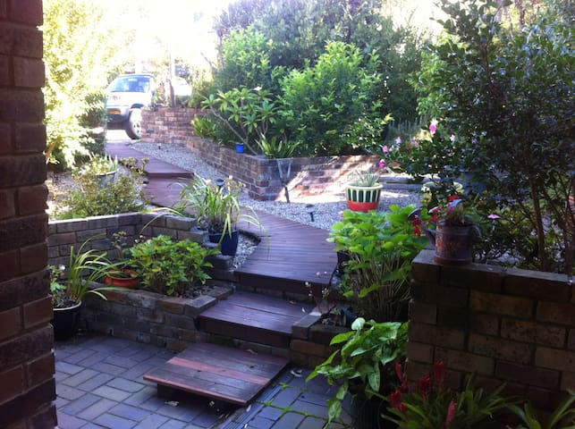 Close to Northern Beaches and City - Forestville