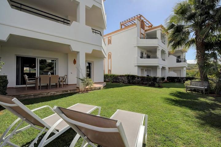 Luxury 3 bed garden apartment near golf 18
