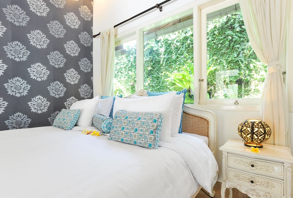 Gorgeous beds with delicious linens.
