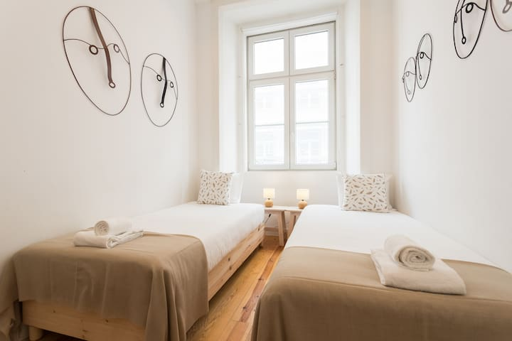 Bedroom 3: Single bed x2, 90x200 cm
