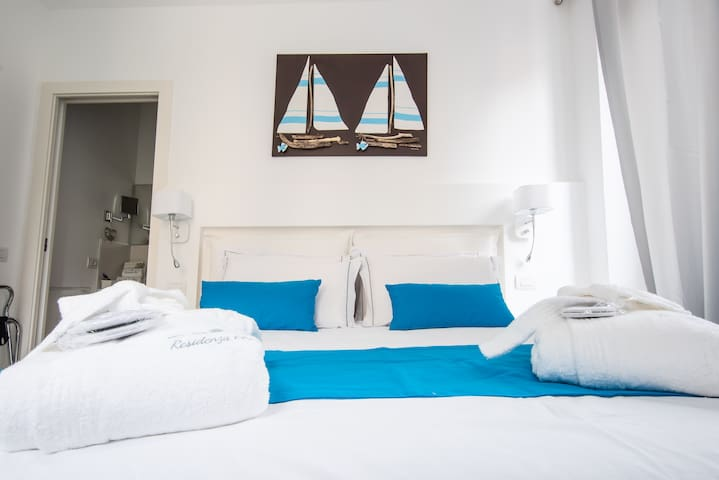 B & B Residenza Elisa Desenzano-Travel Room