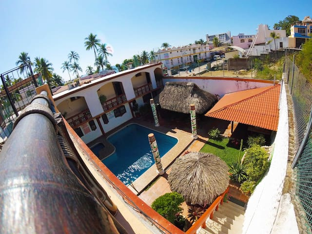 Puerto Escondido FredFly Surf Style Apartment