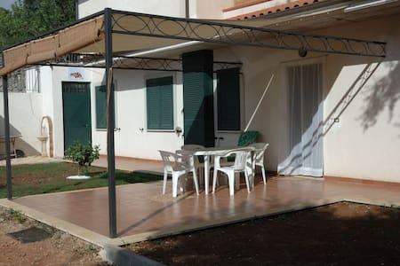 """Apt """"Albero di Trinchetto"""" in villa - Apartment"""