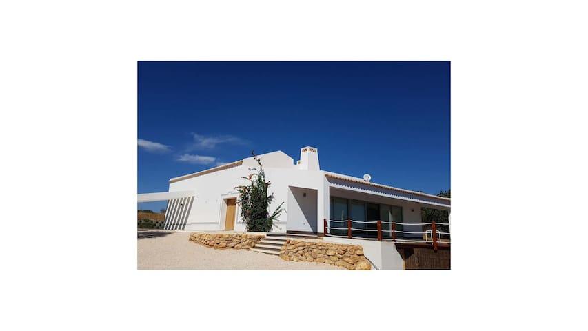 Poça da Negra Villa - Charming, Cozy & Quiet