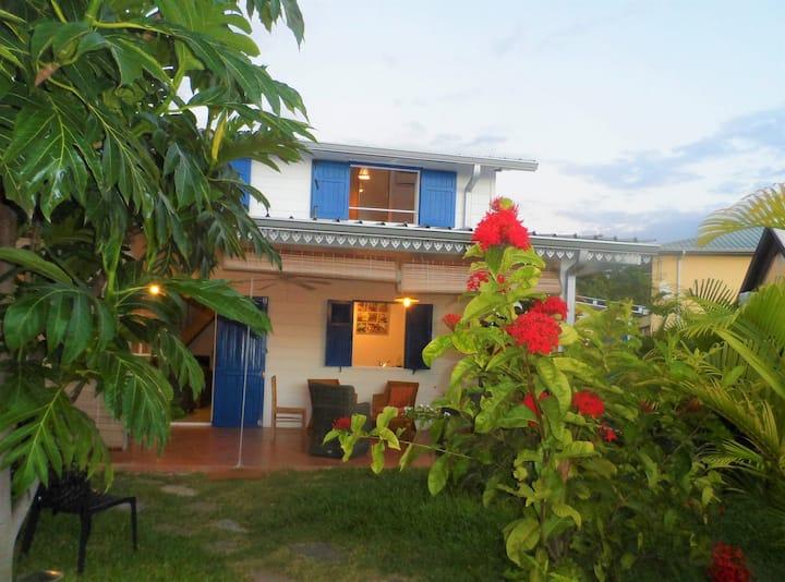 maison créole en bois class4*/80m lagon Ermitage-