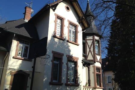 Schöne alte Villa in Idstein - Idstein - Casa de camp