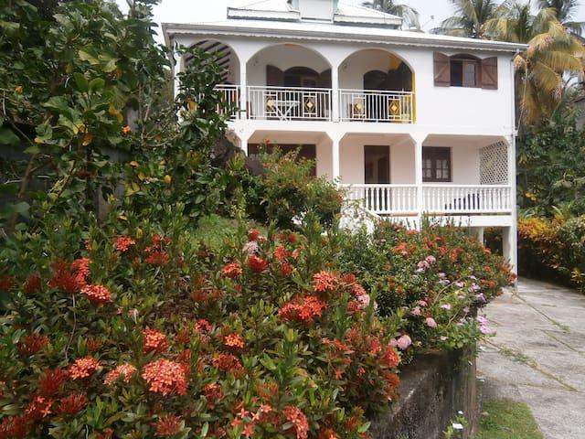 Appartement Villa-nature, rivière et mer