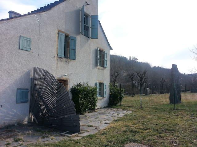 Maison de charme au bord du lot - Bagnols-les-Bains