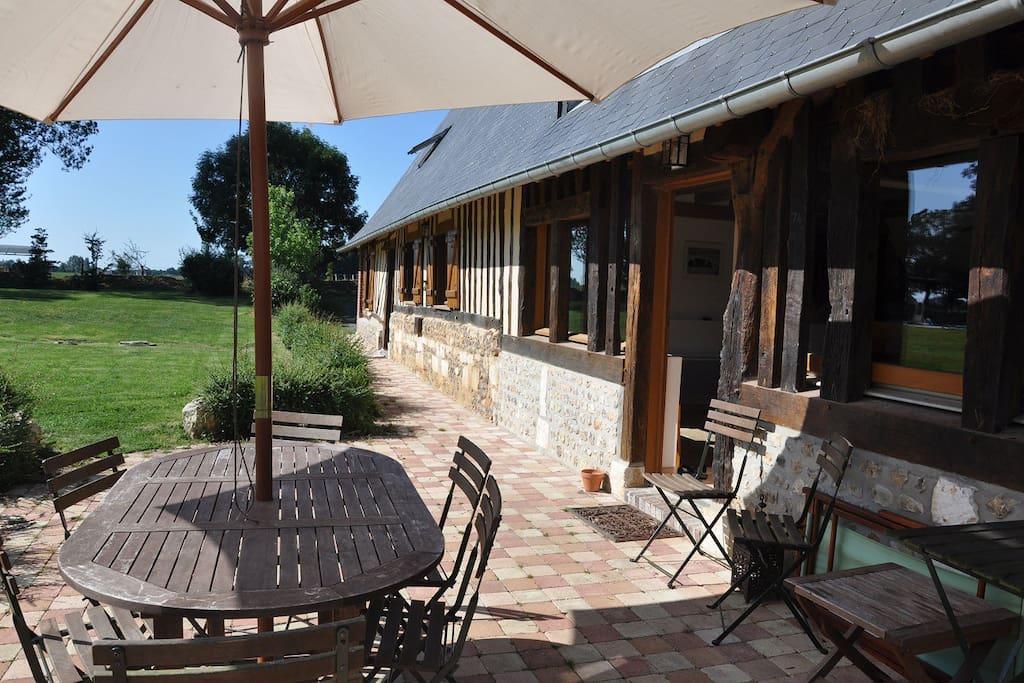 Grande long re de charme avec piscine maisons louer for Location maison avec piscine en normandie