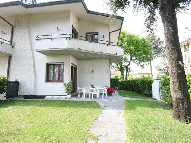 Villetta con giardino in Versilia - Pietrasanta - Villa