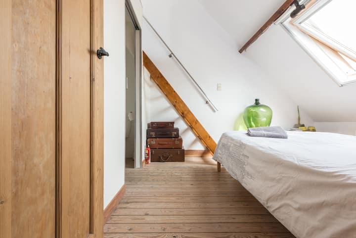 Duplex room with mezzanine and ensuite bathroom