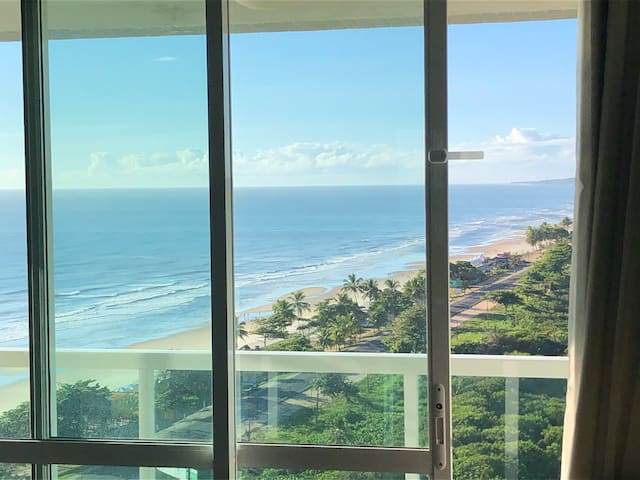 Amazing beach front apartment with stunning views