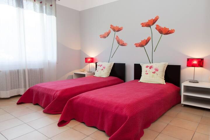 La Roseraie chambres d'hôtes - Jouques - Bed & Breakfast