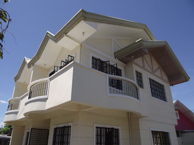 Ideal Location in the City - San Pablo City - Casa