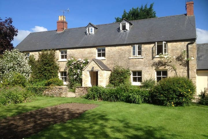 The Long House: Double & Twin rooms - Cirencester - Гестхаус