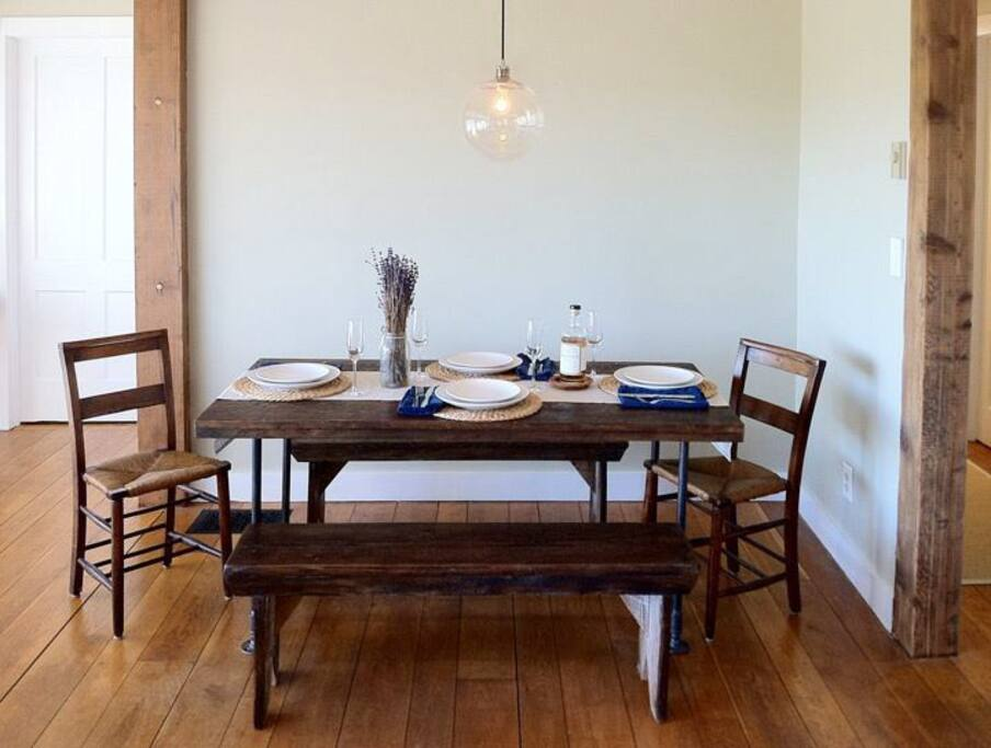 Indoor dining for 6