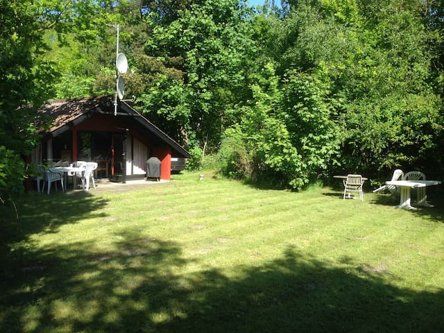 Summer house - undisturbed plot and beach not far. - Glesborg - Srub