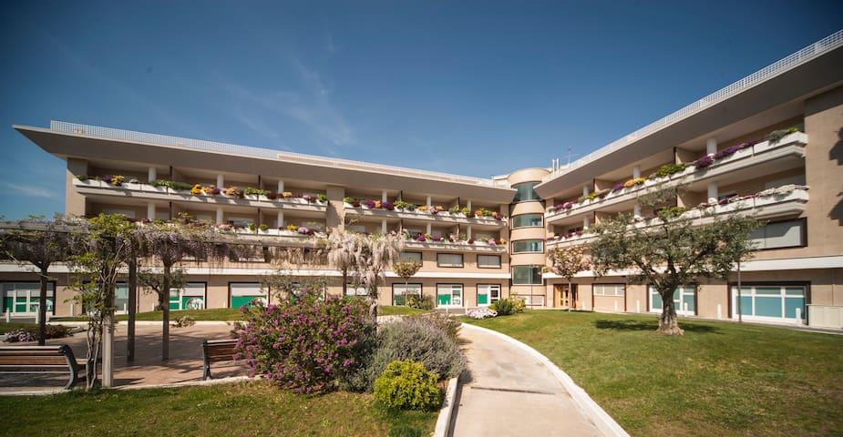 OneBedroom Flat Axa Palace Da Vinci - Acilia-Castel Fusano-Ostia Antica - Wohnung