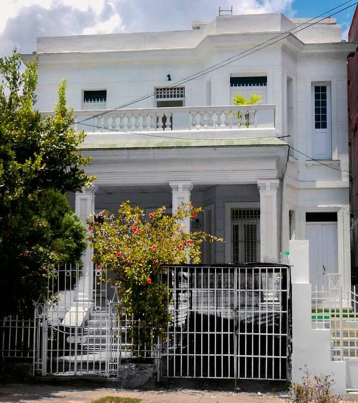 Colonial House 1920 (Habitación #1)