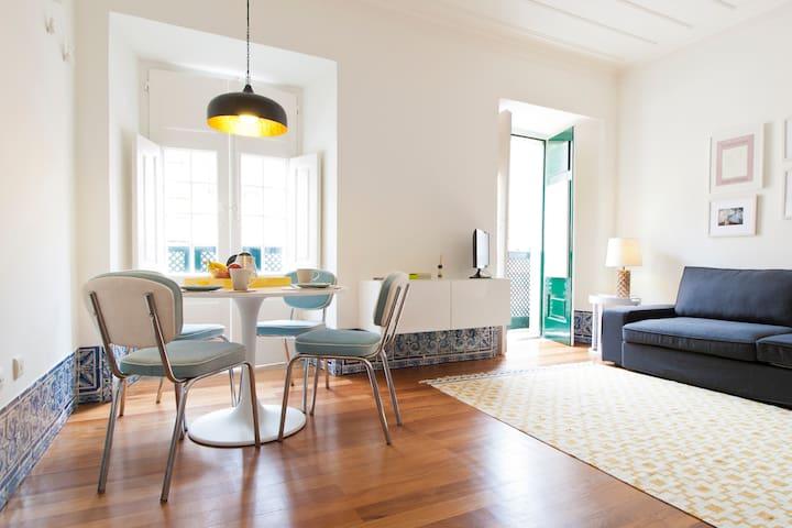 Santa Catarina, Lisbon Details
