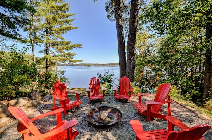 Beautiful Lake Rosseau Retreat