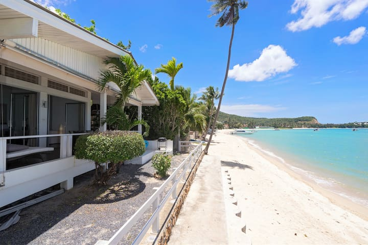 PEACEFUL BEACHFRONT VILLA - 3BR
