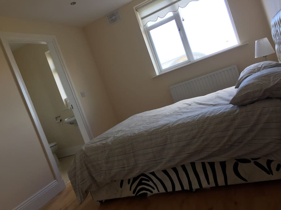 Cosy Spacious Double Bedroom with Ample Storage