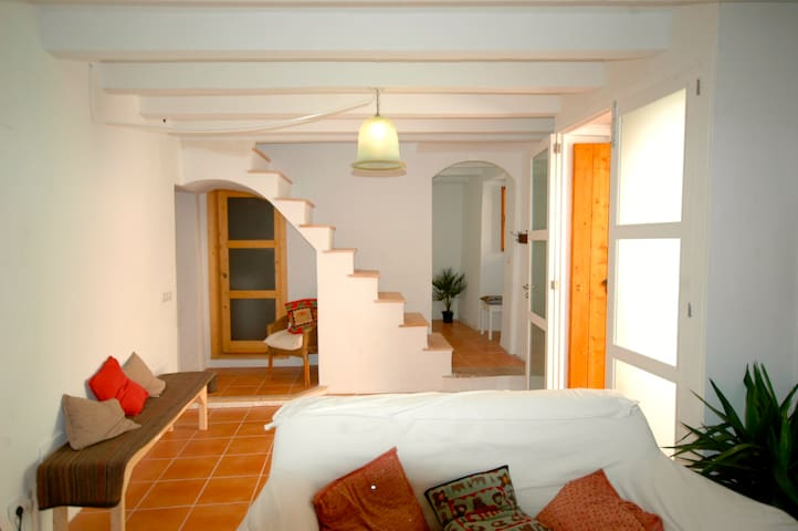 Traditional Mallorcan town house - Sineu - Casa