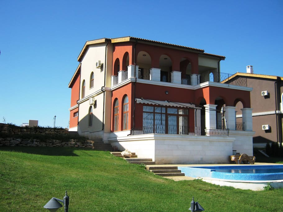 Exterior - Garden and Swimming Pool