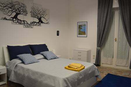 Casa Vacanze Reggio Calabria Centro/Vacation Home - Реджо-ди-Калабрия - Квартира