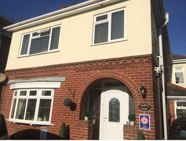Wimborne Lodge Bed and Breakfast 4 Star Rated. - Wimborne Minster
