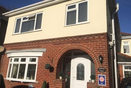 Wimborne Lodge Bed and Breakfast 4 Star Rated. - Wimborne Minster - Inap sarapan
