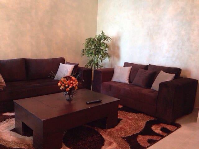Beau Studio chambre, Salon, cuisine
