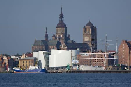 Ferienwohnung UNESCO-Weltkulturerbe - Stralsund - Leilighet