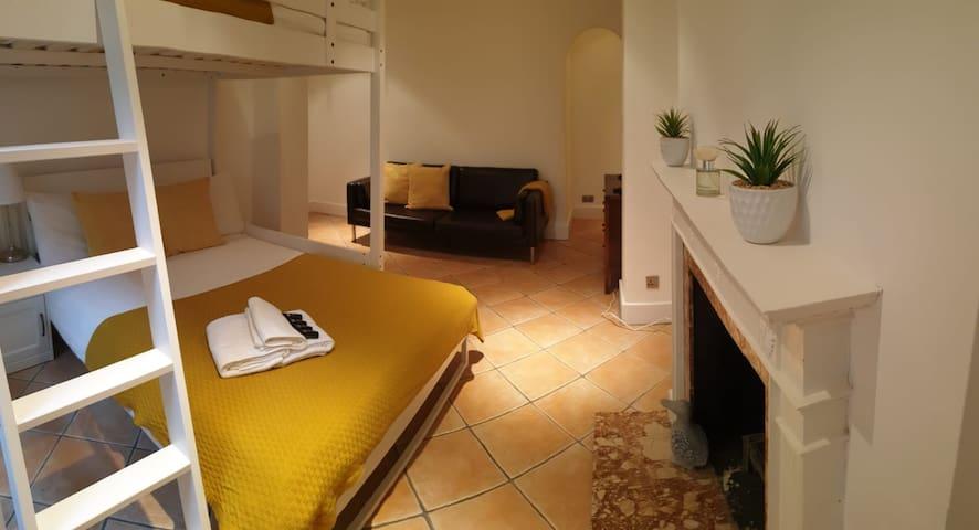 Stunning Quadruple Room Near Paddington Station