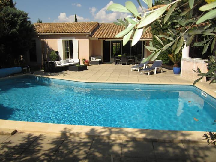 Très belle villa, piscine - jardin