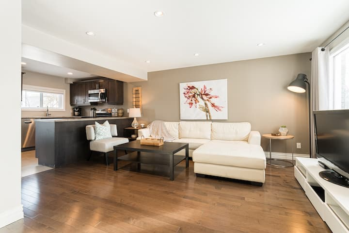 2 BRM Modern Open Concept II with Central A/C