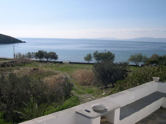 Traditional house by the sea (A) - Agios Romanos - Ev