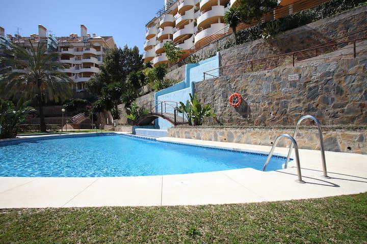 Rent room with private bathroom . - Puerto Banús, Marbella, Málaga - Apartment