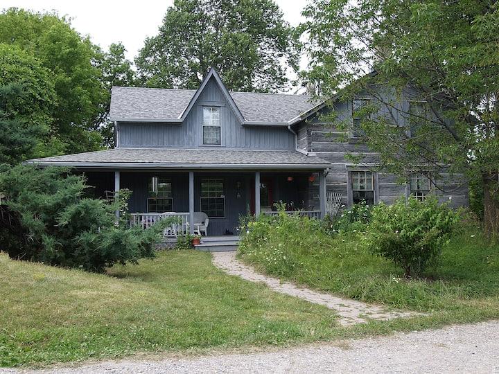 Quiet Room in Historical Rural Getaway