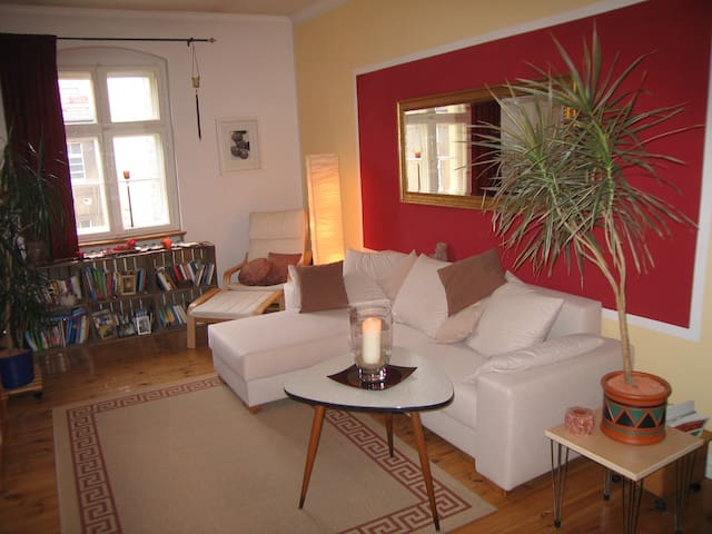 beautiful furnished room prenzlberg apartments for rent in berlin berlin germany. Black Bedroom Furniture Sets. Home Design Ideas