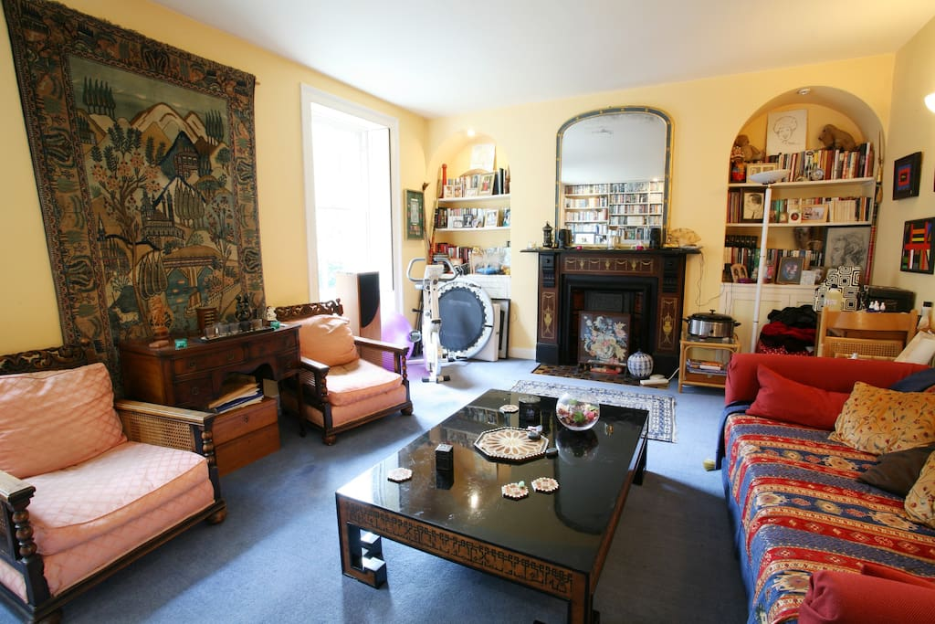 Guests are welcome to use this sitting room in the evening