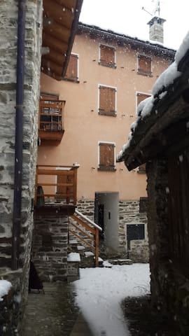 Flat in ancient village  - Villa di Chiavenna - Leilighet