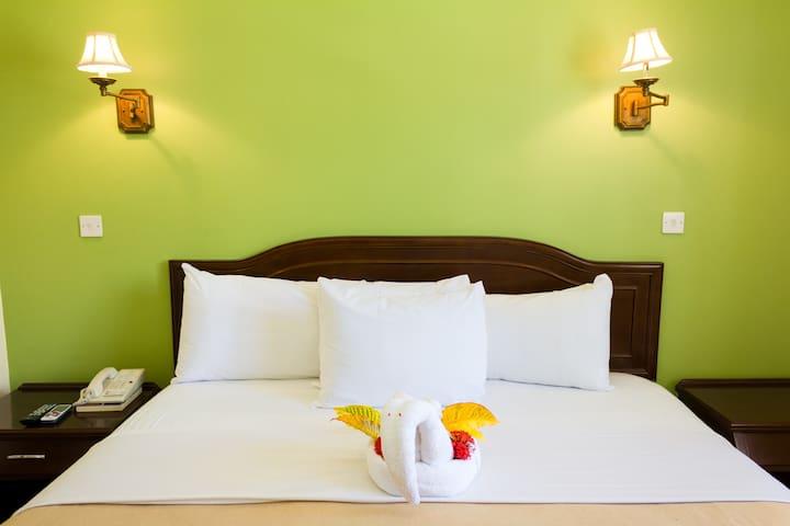 Bay Gardens 2-Bedroom Croton Suite - Rodney Bay - Wohnung
